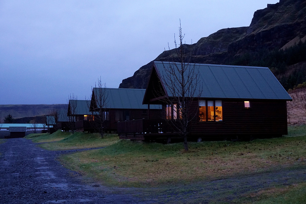 There are many cottages for rent here.