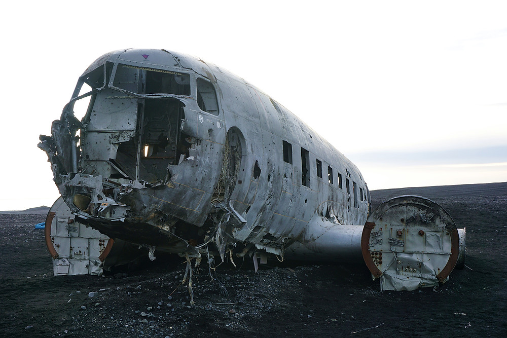 Front view of the crashed plane.