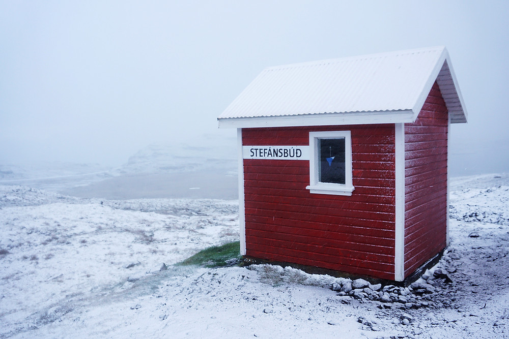 Cute red shelter house, the Stefansbud.