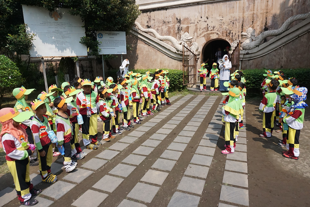 Teachers bringing cute kiddo to visit Taman Sari