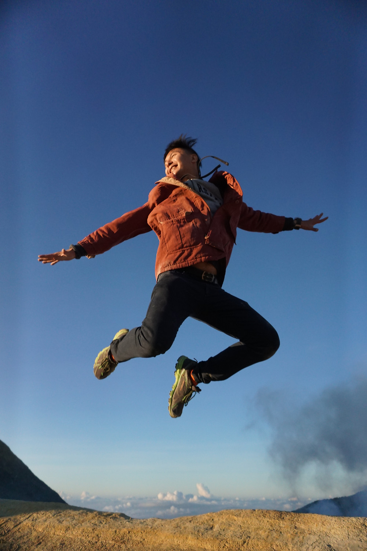Kim flying!