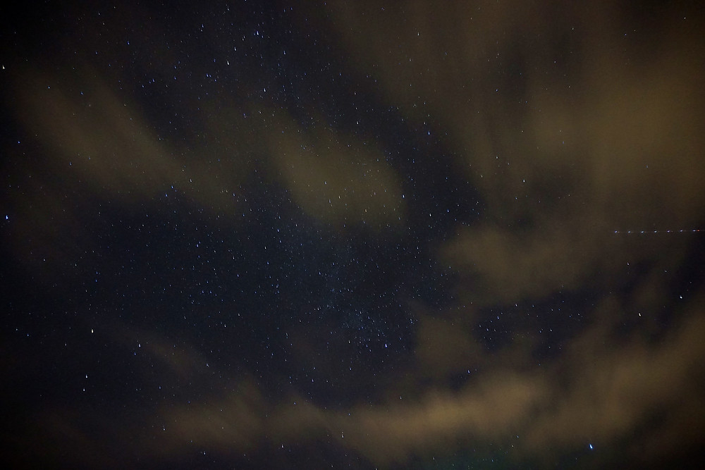 The starry sky is very beautiful too.