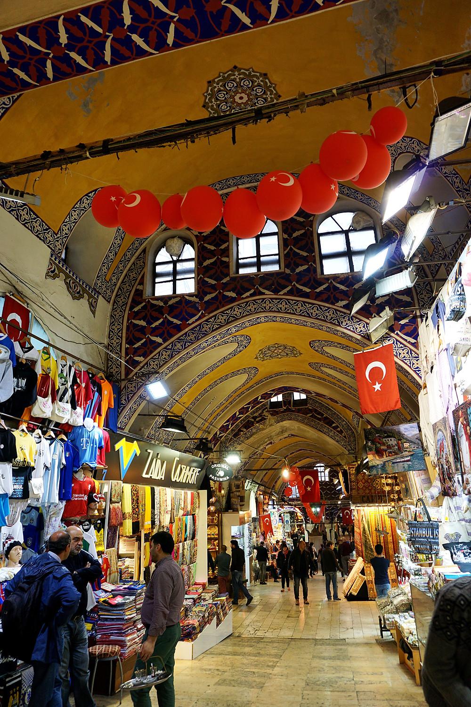 Turkish flag everywhere in the Grand Bazaar.
