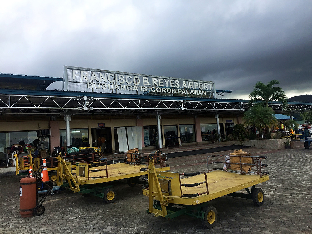 Very small Francisco B.Reyes airport.