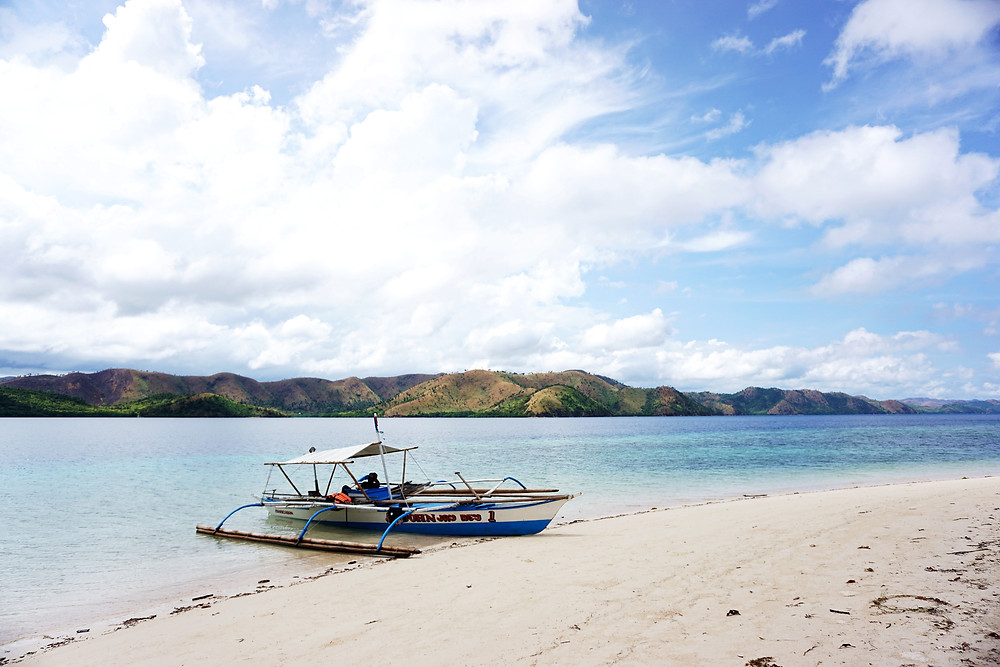 Beach via Jatoy island.