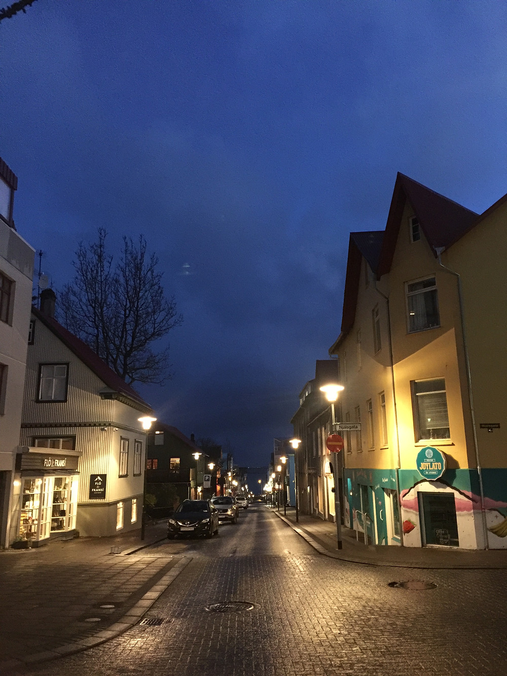 Another lovely street view of Klapparstígur, directly towards the sea.