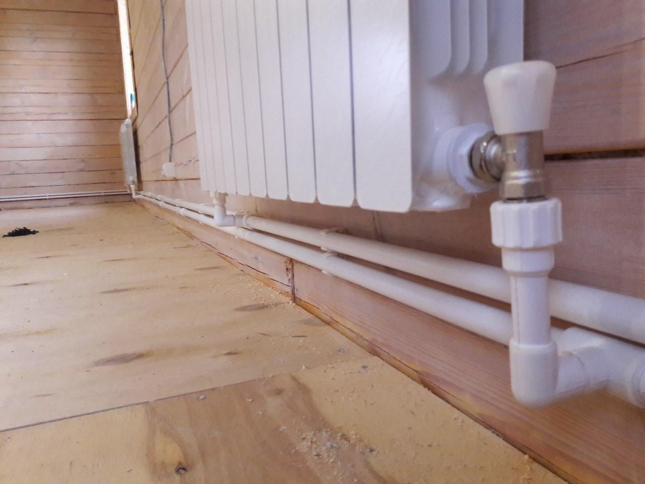 Алюминиевый радиатор с боковым подключением с низу, подключение открытое, система отопления двух трубная, труба для подключения: полипропилен.
