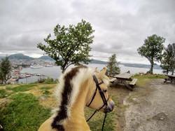 Ridetur på fjellet i Bergen