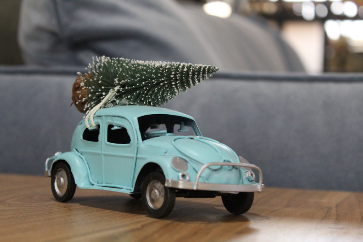 Beetle with Christmas Tree on Roof Piece