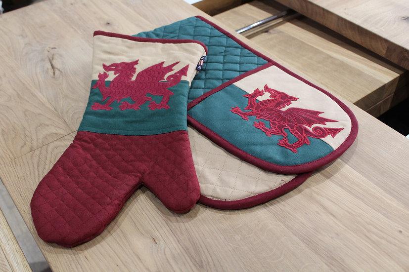 Welsh Flag Oven Gloves