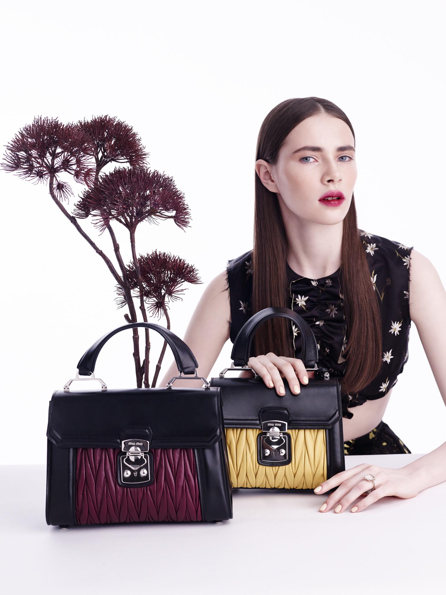 2015_Vogue_Bags&flowers43040.jpg