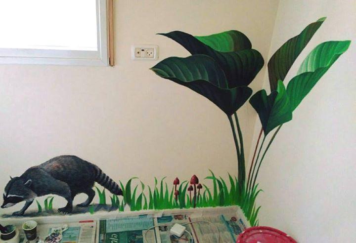 עלים ורקון ציור פינתי ריאליסטי לחדר ילדים בצבעי אקריליק שיר למדן Shir Lamdan גודל: 1x1.5 מטר רמת פירוט: בינונית - גבוהה  משך עבודה: יום  מחיר: 1200 ש״ח