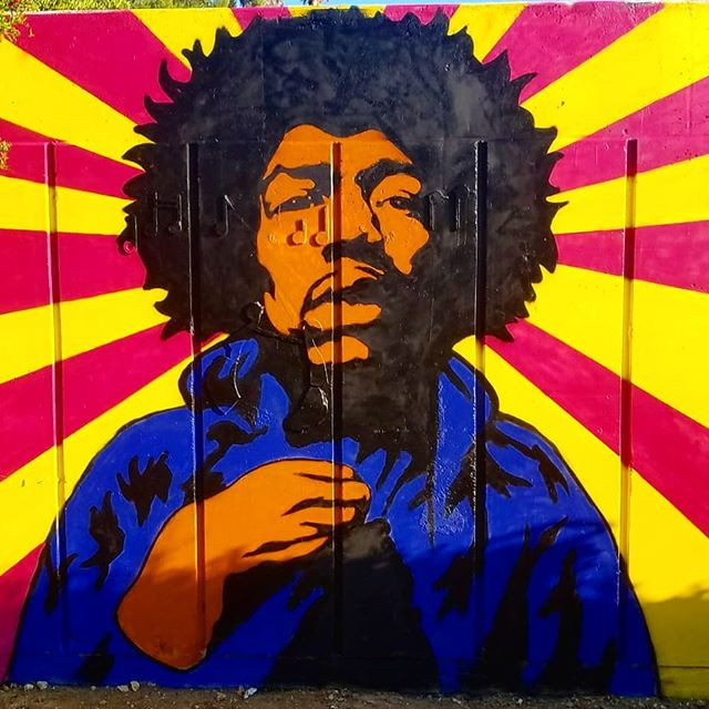 Jimmy Hendrix שיר למדן Shir Lamdan ציור ספריי על קיר חיצוני גודל: 3x2.5 מטר רמת פירוט: נמוכה - בינונית משך עבודה: יום  מחיר: 1000 ש״ח