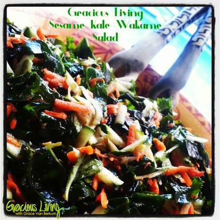 GLO Sesame Kale Wakame Superfood Salad