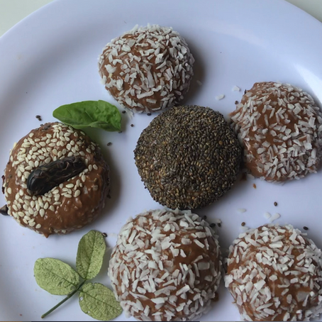 GLO CHOCOLATE PROTEIN BALLS