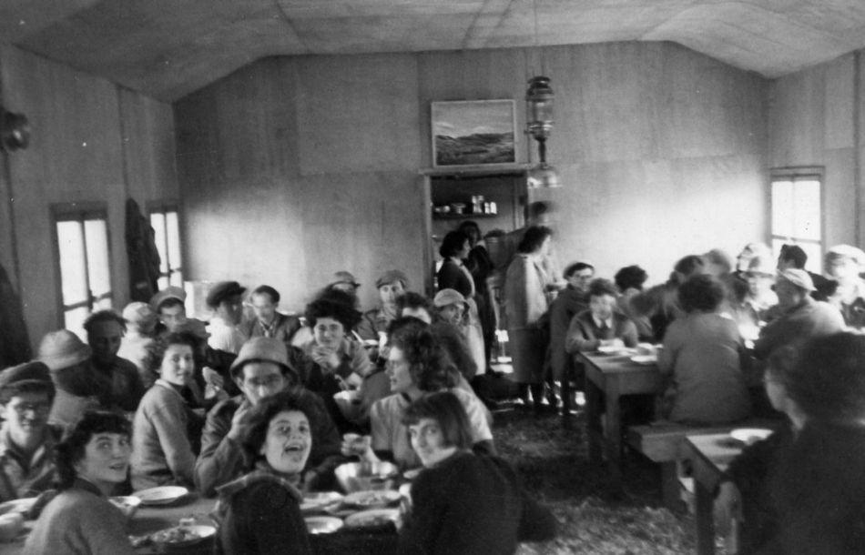 צריף חדר אוכל בהודיות מקום זמני 1949