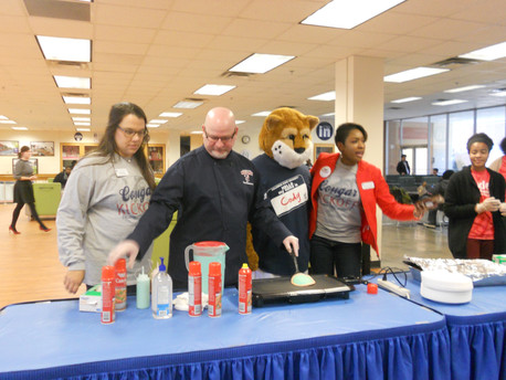 Cougar Kick-off: Pancakes with the President
