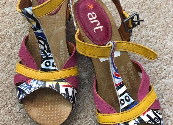 New Art Sandals