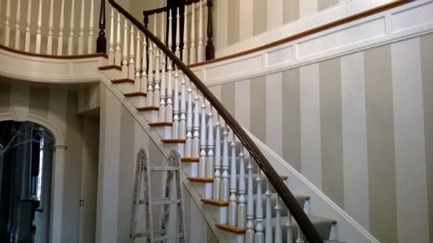 grey stripe with alternating  matt and  gloss Stripe