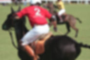 giocatore di polo a cavallo