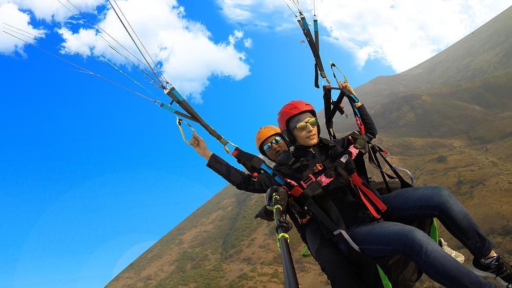 tandem-paragliding-kamshet-orangelife-adventures