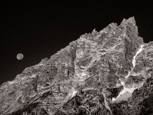 Moonset in the Tetons