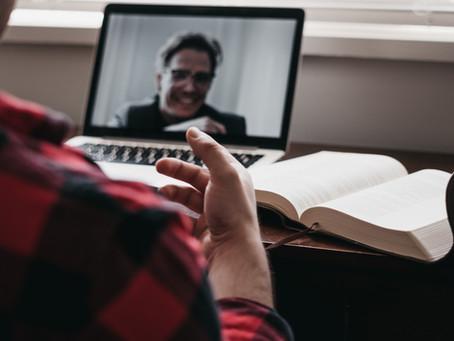 Como adaptar conteúdos presenciais e criar bons vídeos - Recstory