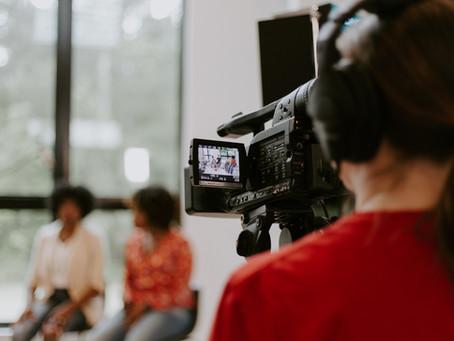 Vídeo institucional com depoimentos: boas práticas para se diferenciar - Recstory