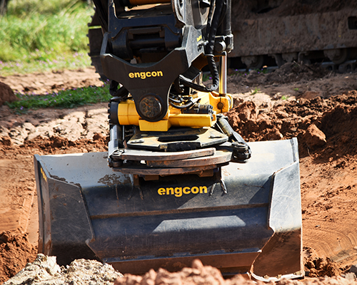 CASE CX210D with Engcon Tiltrotator