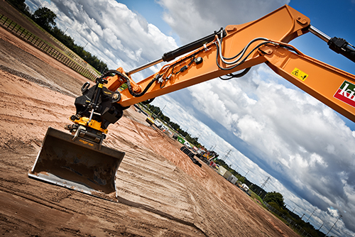 The Engcon Tiltrotator on a CX210D