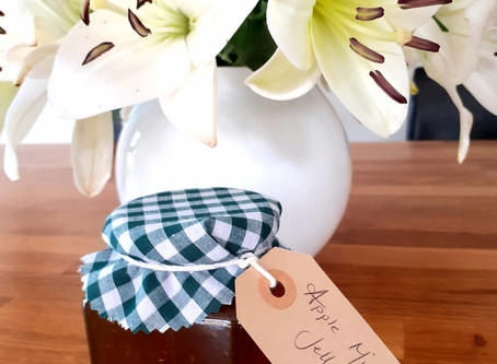Homemade Apple and Mint Jelly Recipe
