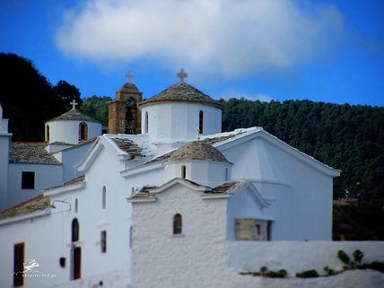 Σκόπελος Εκκλησιές του νησιού μας
