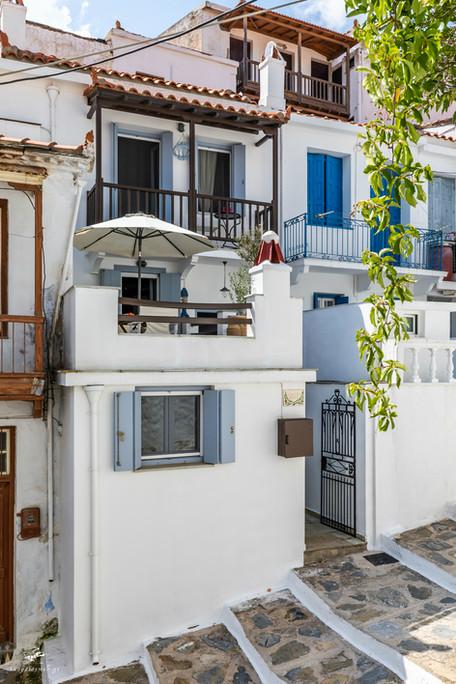 dimitrishouse_skopelosgreece02.jpg