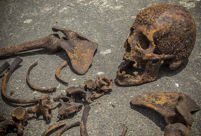 práctica de exhumaciones