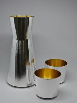Wasserkaraffe mit Becher