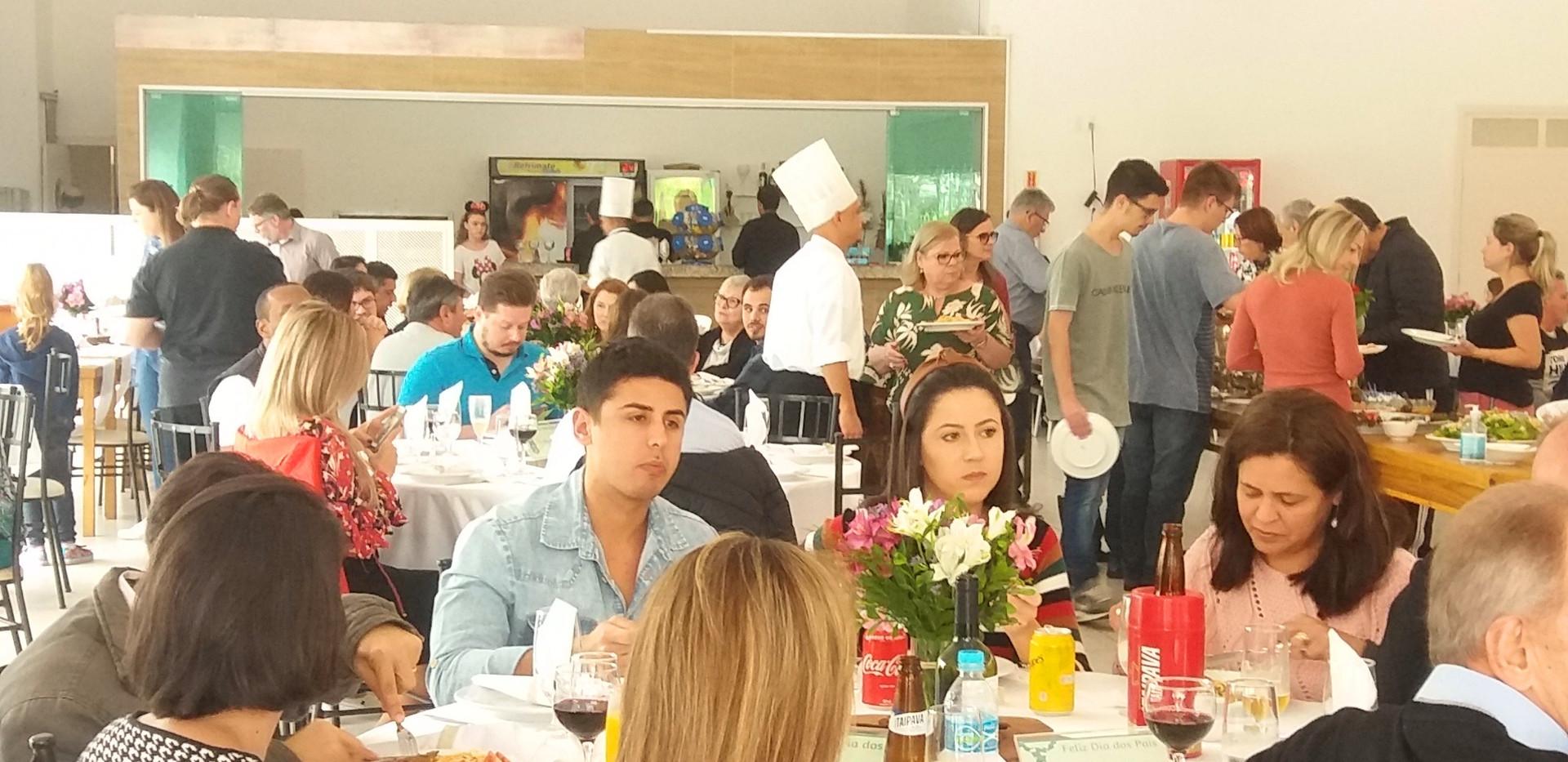Almoço_Dia_dos_Pais_AFFESC_12.08_(7).jpg