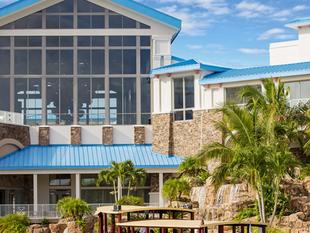 Resort Spotlight: Universal Sapphire Falls Resort