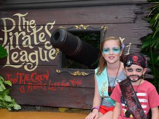 "Park Spotlight: Yo Ho, Yo Ho, A Pirate's Life for Me~ Check out ""The Pirates League"""