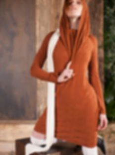 Shapes and colors of the earth, materials as essence of nature.Fully eco-sustainable yarns and natural fabrics, certified Ecotex and Textile Health, merge into a unique and timeless style. GiuliaBrunettiKnitwear is based on a concept of preserving beauty and respect for the body and the environment.
