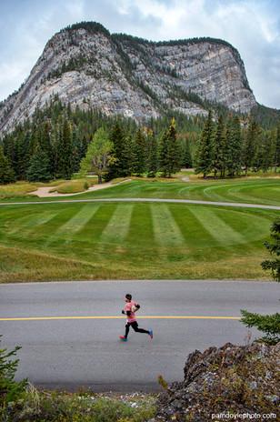 Tunnel Mtn golf grass vert_pamdoyle ww -