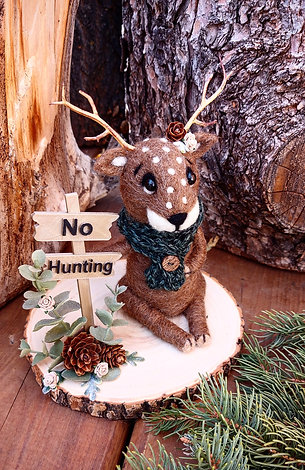 """Deer with """"No Hunting"""" Sign"""