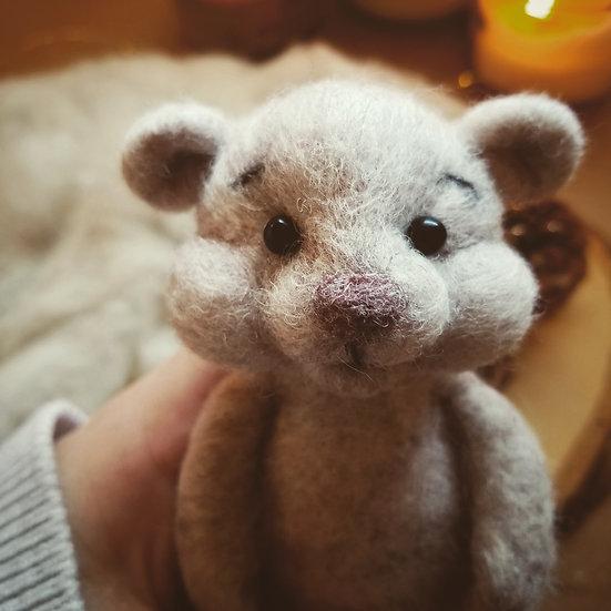 Bare Bear in light heather beige