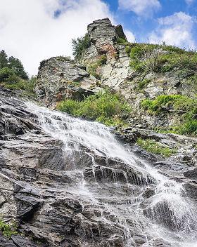 waterfalls-romania-2210x1474.jpg