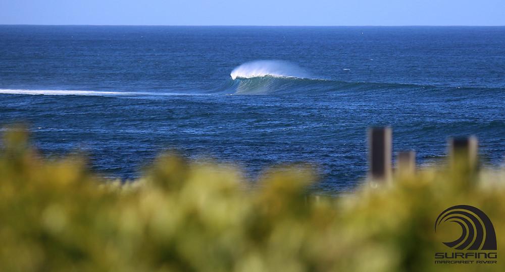 Mainbreak Bombie Margaret River surf