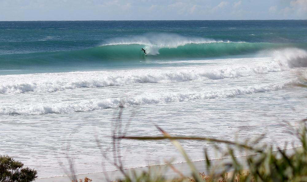 surfing margaret river, dunsborough surf, boneyards