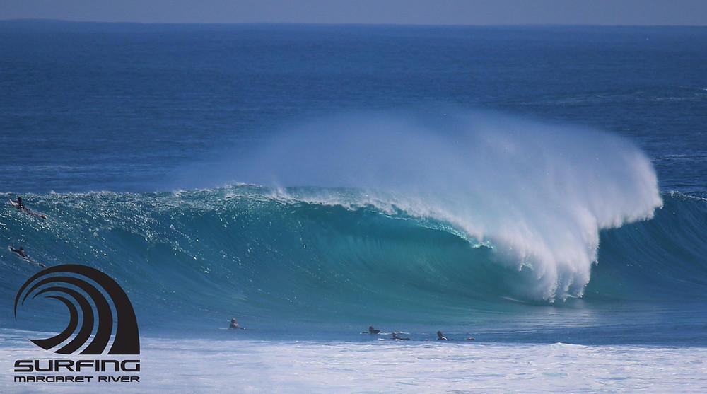 right hand surf spot