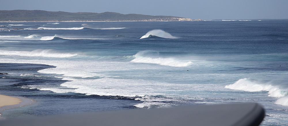 lefties strip, reef breaks, margaret river surf