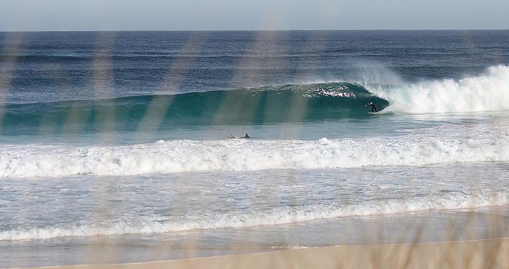 barrel, beach break