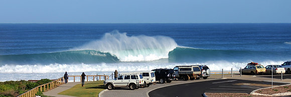 Mainbreak Wave