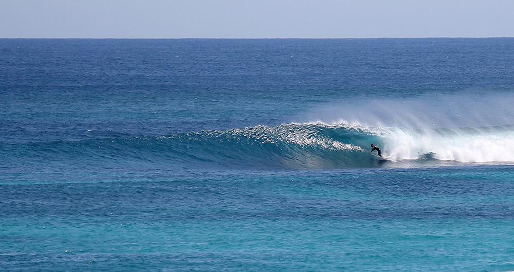 Reef break low tide
